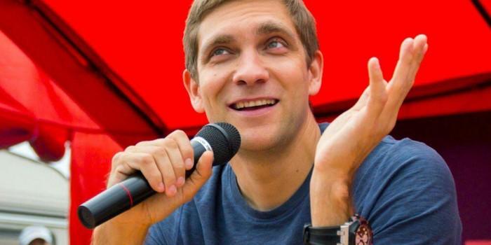 Виталий Петров завершил первый этап турне по городам России
